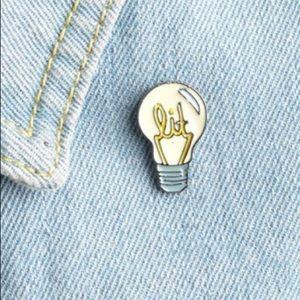 Jewelry - 🔥LIT🔥 pin/brooch